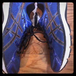 Men's ASICS 11.5 running shoes